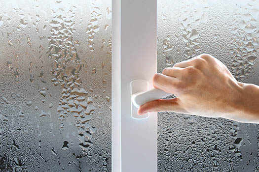 потеют окна из пластика