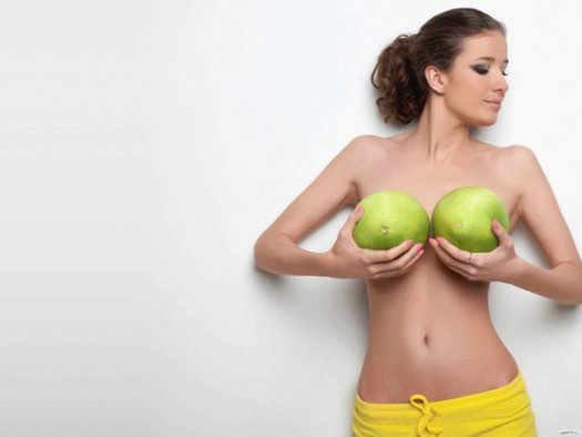 Кофе и женская грудь